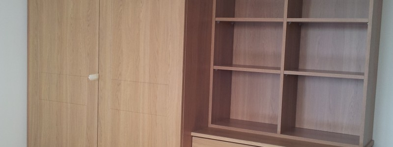Oak Wardrobe, Set of draws and Compartments